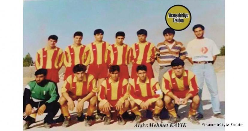 Viranşehir'de Başarılı Futbolcuların Oluşturduğu Takım Kadrosu Futbolcularından, Seyfettin Çelik, Mehmet Özalhas(Kaptan), Şakir İlbaş