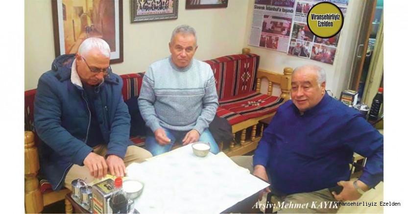 Mehmet Selin Tanıyan, Cuma Yalçın ve Arkadaşı ile Beraber İstanbul Esenler'de Meşhur Dürümcü Yaşar Usta'da Öğlen yemeği