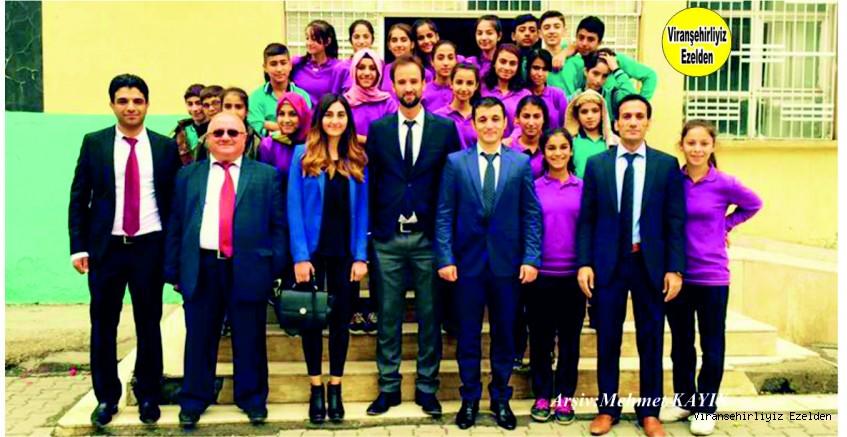 Viranşehir Göl Ortaokulu Değerli Yöneticilerinde Öğretmen Enver Naci Yolcu, Öğretmen Arkadaşları ve Öğrencileri