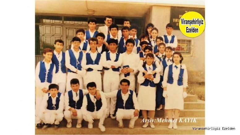 Viranşehir Lisesi Eski Bando Takımı Öğrencilerinden Derviş Özer, Şeyhmus Özkan, Ali Pirinç, Esat Mahmut Karakurt, Lütfü Bağcı, Arkadaşları ve Oklu Müdürü Hıdır İncir